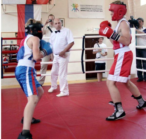 Теперь воспитанники школы бокса Николая Валуева тренируются в частном фитнес-клубе