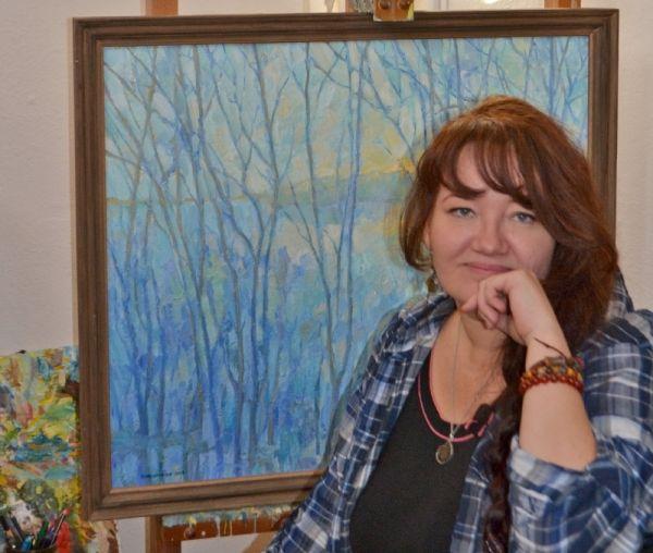 Оксану Немолочнову привлекают как привычные мелочи жизни, так и недосягаемые горные вершины