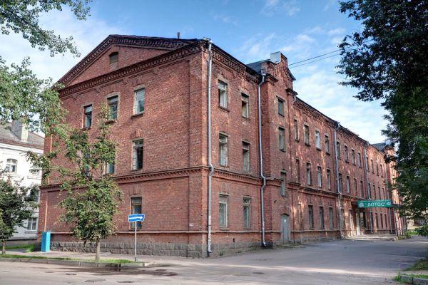 На оснащение и ремонт отделения было потрачено около 7 млн. рублей: порядка 4 млн. рублей поступили из областного бюджета, остальные — средства ЦГКБ