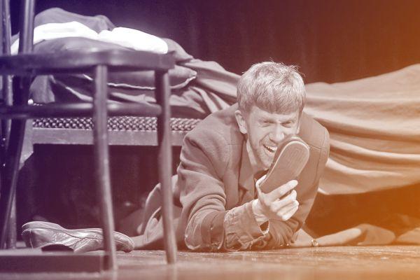 Teatras Teomai (Вильнюс, Литва) представил на суд зрителей спектакль «Записки из подполья»