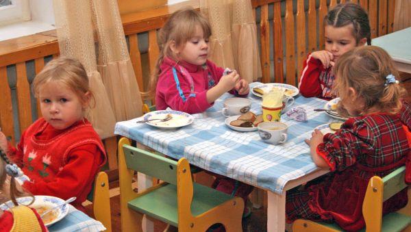 В Новгородской области есть детские сады, где на небольшие деньги умудряются накормить детей не только по СанПиНу, но и вкусно