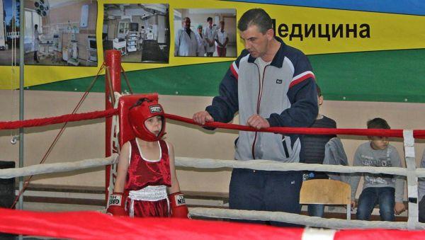 Воспитанники Спартака Пирвелашвили показывают хорошие результаты не только в боксе. У тренера своя педагогическая система