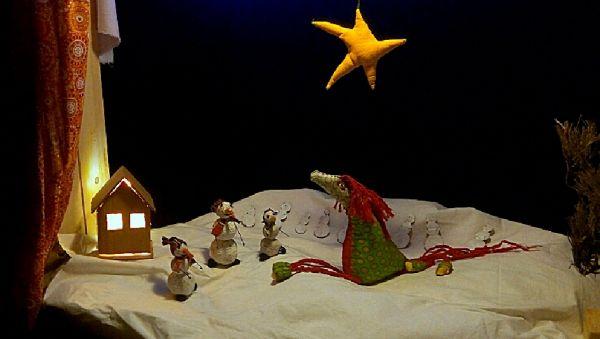 Кукольный театр дал свою первую премьеру в боровичской деревне