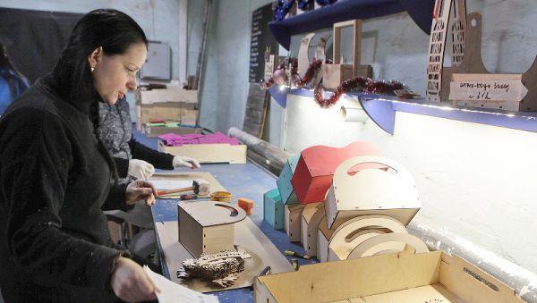 В бизнес-инкубаторе налажен выпуск кашпо для цветов