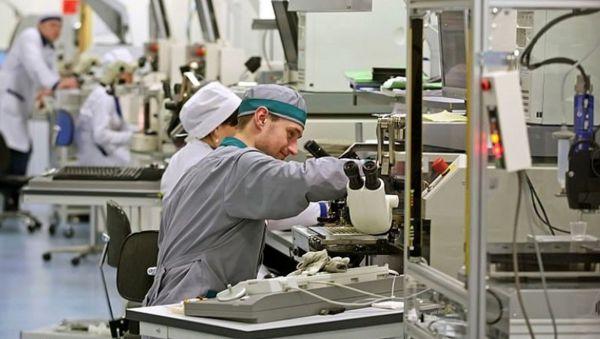 Новгородцев научат работать на высокотехнологичных производствах