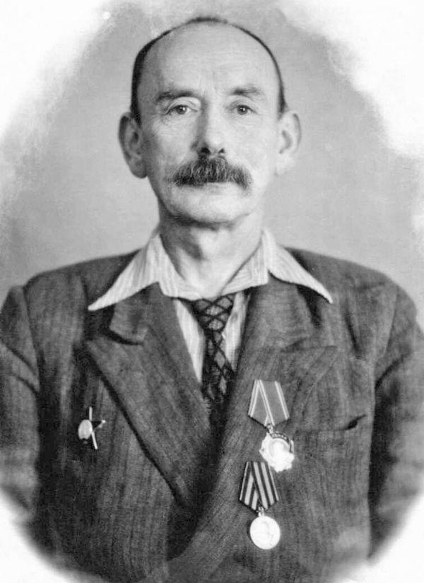 Хирург Владимир Бессер