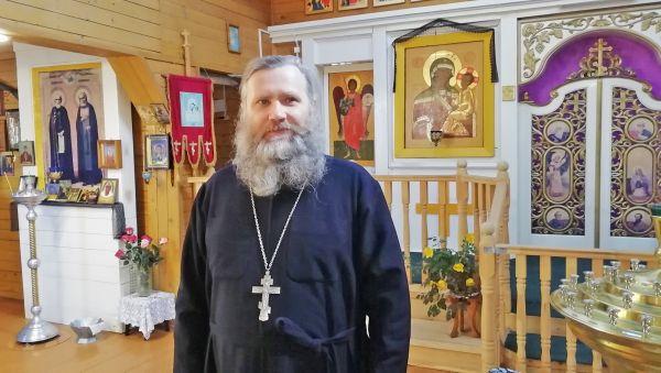 Отец Николай стал студентом духовного училища, когда ему исполнилось 46 лет