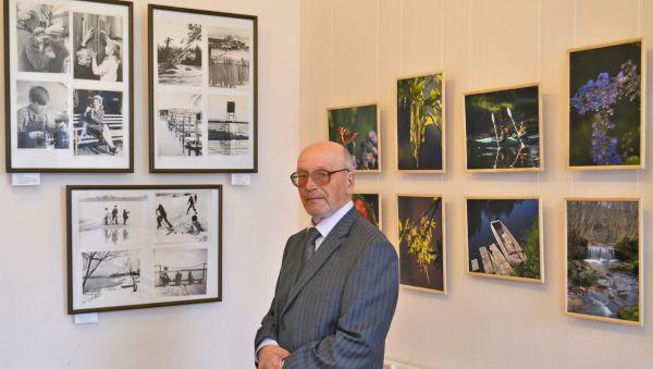 Посетители выставки благодарят авторов за чёрно-белое прошлое и цветное настоящее Валдая