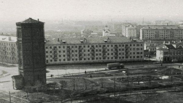 Крестьянская площадь (Сенная) и улица Труда (Мерецкова-Волосова)