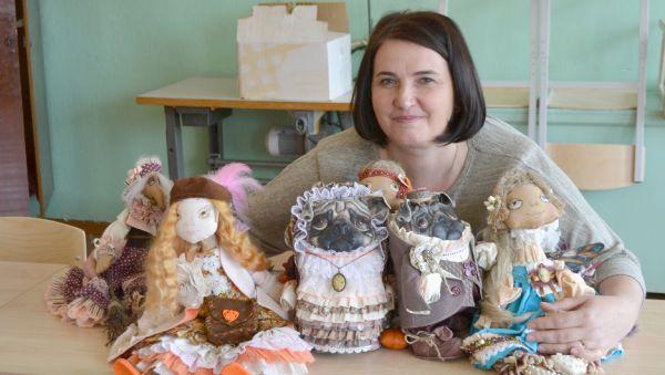 В интерьерной коллекции Натальи Шершневой — более 100 кукол. Продавать свои творения мастерица не стремится, предпочитает дарить друзьям да знакомым