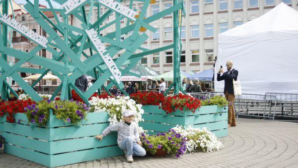 Арт-объект в центре Пскова привлёк внимание туристов