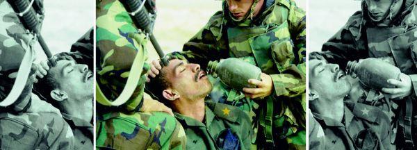 В центре фото, сделанное во время войны в Ираке и то, как его показали: справа — СNN, а слева — Альджазира
