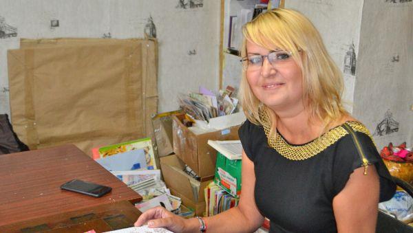 Жанна Дмитриева готовится к занятию в подростковой группе