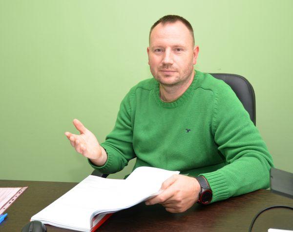 Юрий Залесов одним из первых среди лесопромышленников области стал использовать возможности Санкт-Петербургской международной товарно-сырьевой биржи для расширения спектра деятельности своего предприятия