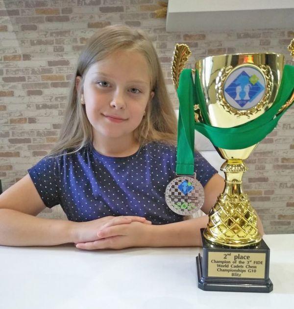 Женя – ещё и чемпионка области по классическим шахматам