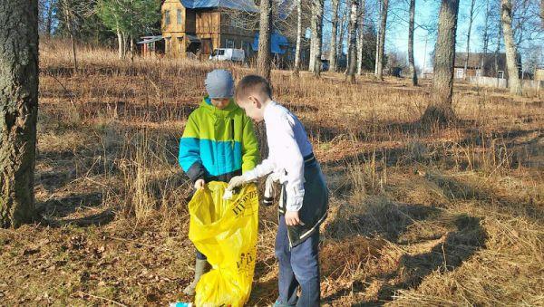 К экологическим акциям в основном подключаются школьники