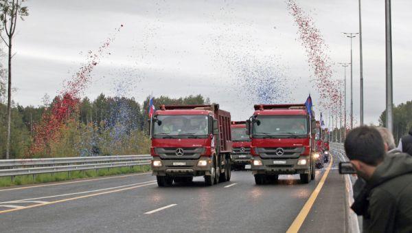 Пока скорость по платной трассе ограничена 110 км/ч, в дальнейшем планируется увеличить её до 130 км/ч