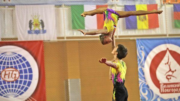 Акробатика до сих пор не входит в программу Олимпиады, несмотря на то, что это один из самых зрелищных и сложных видов спорта