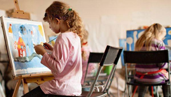 Пока за дополнительное образование детей приходится платить родителям. Но есть надежда, что так будет не всегда