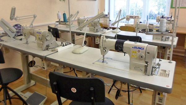 Теперь гордость Центра адаптированного обучения — швейная мастерская с профессиональными машинами