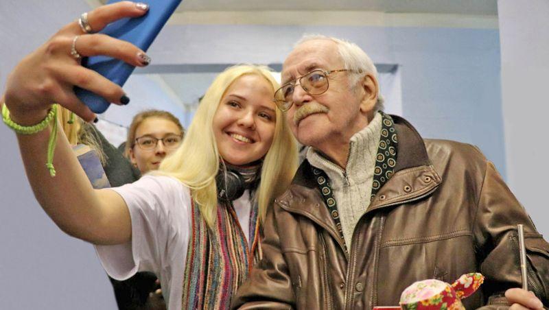 Василий Ливанов – актёр советского кино. Но его героев знает и любит даже современная молодёжь