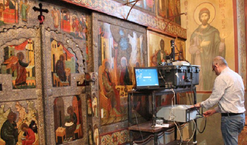 Джованначи Дэвид, исследование методом инфракрасной спектроскопии иконы «Спас на престоле» (1362 год, Софийский собор)