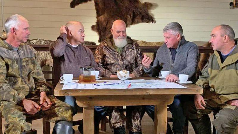 «Байки из леса» — замешанная на юморе программа о русской охоте и её традициях