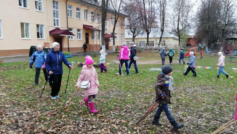 Совместные тренировки сближают людей старшего возраста и детей