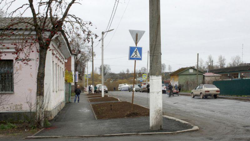 Тротуар на улице Луначарского давно нуждался в ремонте. Теперь его привели в порядок