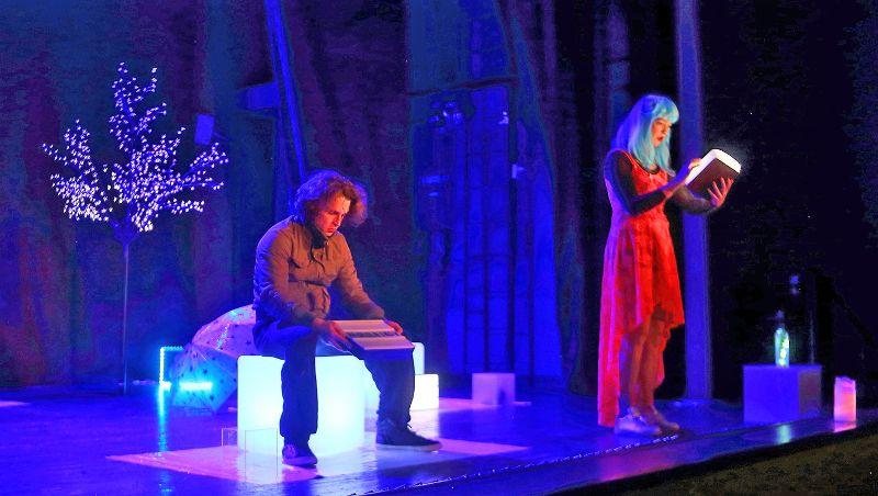 Угадать в Девочке с голубыми волосами Соню Мармеладову — сложная задача для неподготовленного зрителя