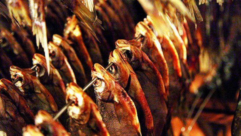 Новгородские переработчики мелкую рыбу в основном вялят