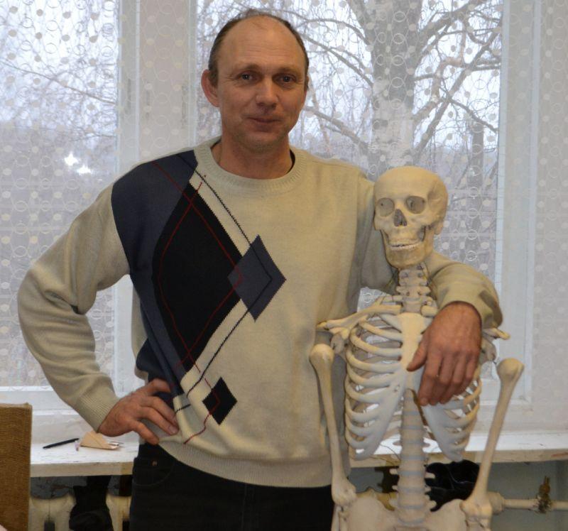 Александр Васильев профессию учителя не романтизирует.