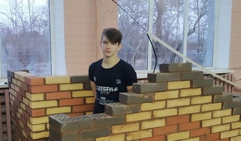 Гимназист Егор Новиков на чемпионате «Молодые профессионалы».