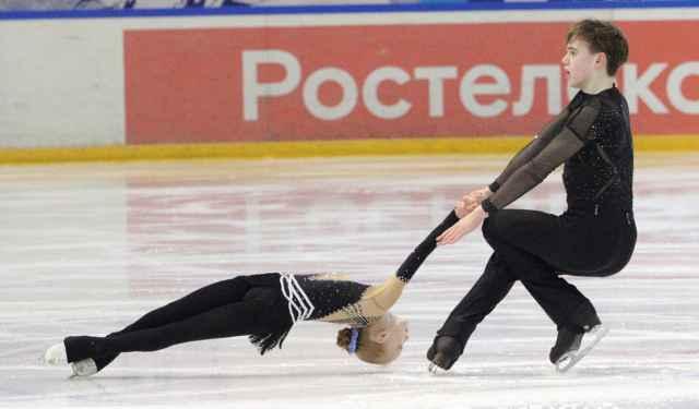И без лидеров сборной страны на новгородском льду было жарко.