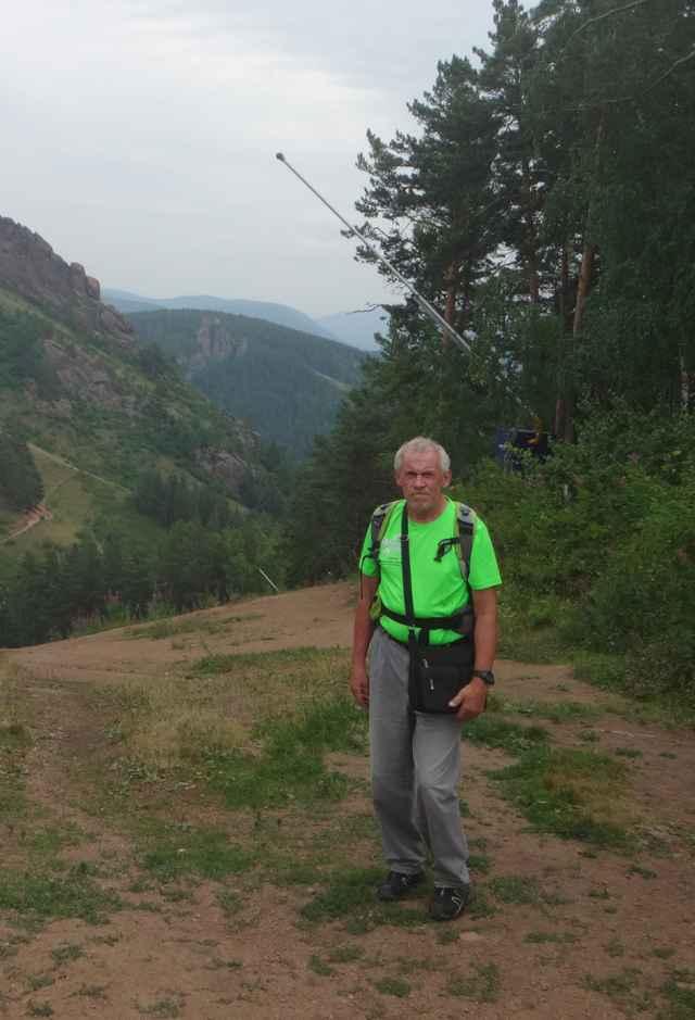 По словам Сергея Черкесова, ориентирование отличается от рогейна, как бег на 100 метров от марафона