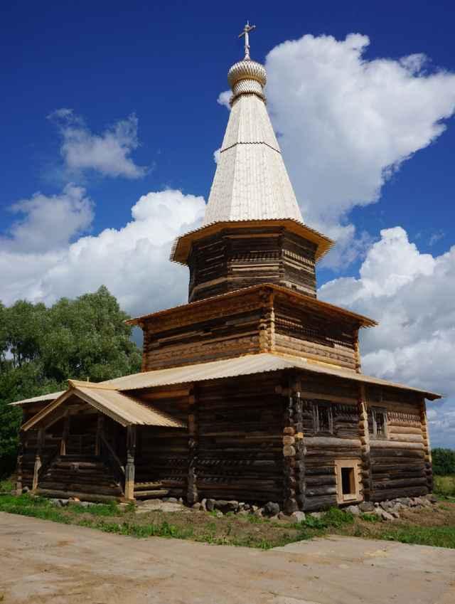 Церкви Успения из села Курицко реставраторы придали первоначальный вид.