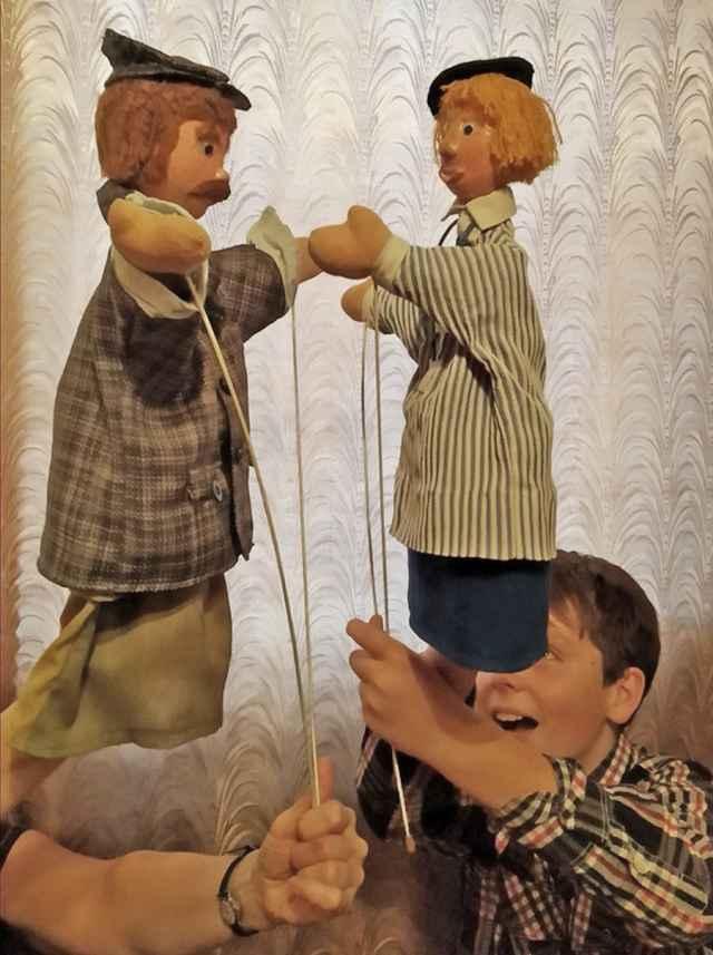 Все куклы для спектакля изготовлены руками художницы Светланы Петровой.