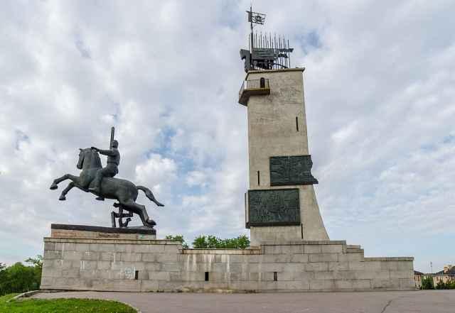 Открытие Монумента Победы состоялось 20 января 1974 года. Памятник является объектом культурного наследия федерального значения.