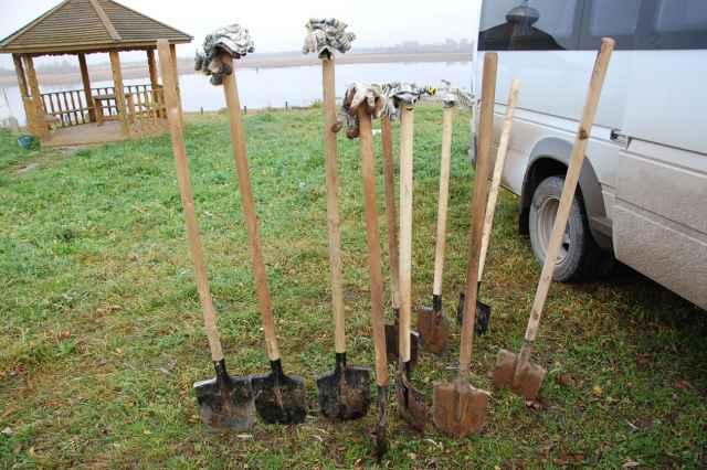 Лопаты бывают разные, на вкус огородника.