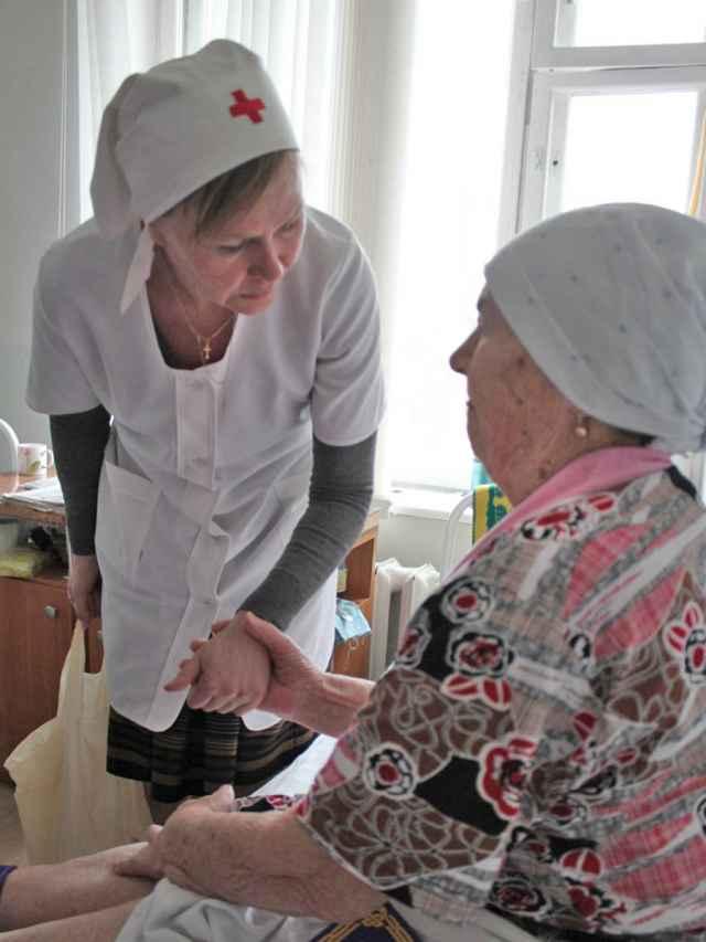 Сестра милосердия Татьяна знает, как иногда важно просто выслушать пациента.