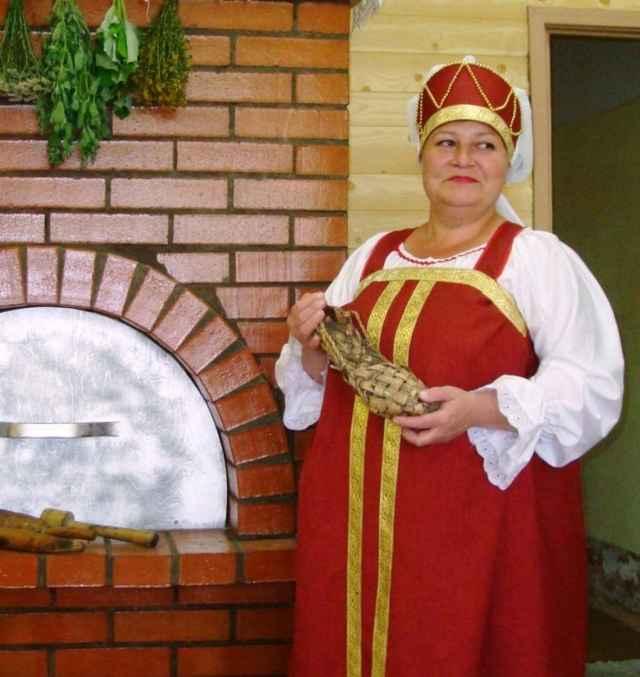 28 лет Ирина Речкина поддерживает творческий огонь в очаге культуры села Грузино.