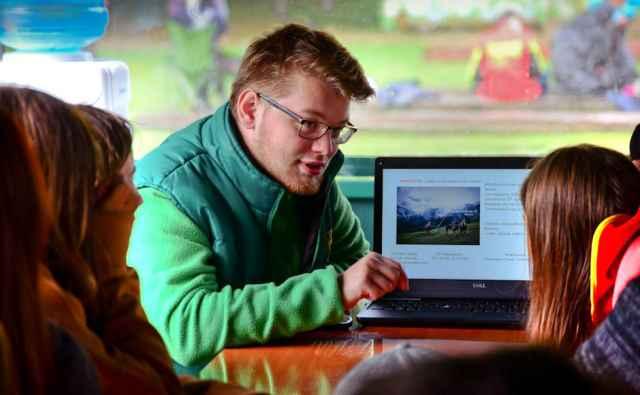 Для Всероссийского конкурса Соснин подготовил урок про спасение детёнышей тюленей.