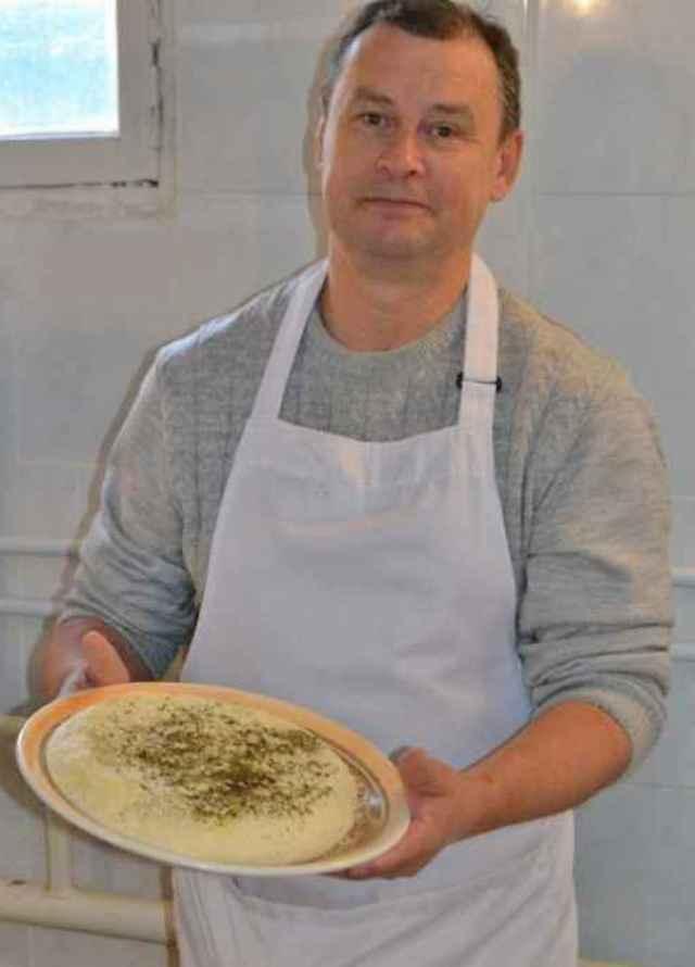 Иван Шульженок поставляет продукцию в Великий Новгород и Петербург.