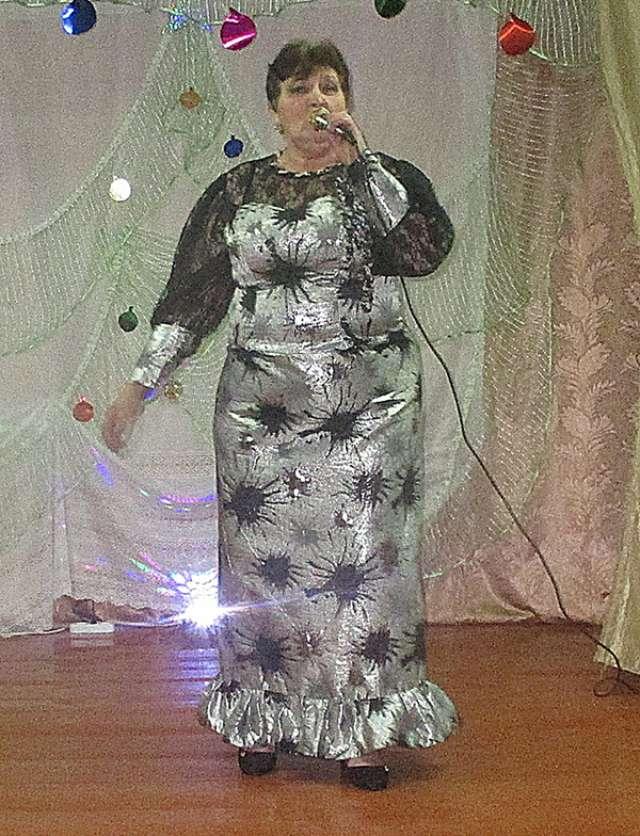 Выступление Марины Кузнецовой в Горском ДК в программе «Чудный вечерок на старый Новый год».