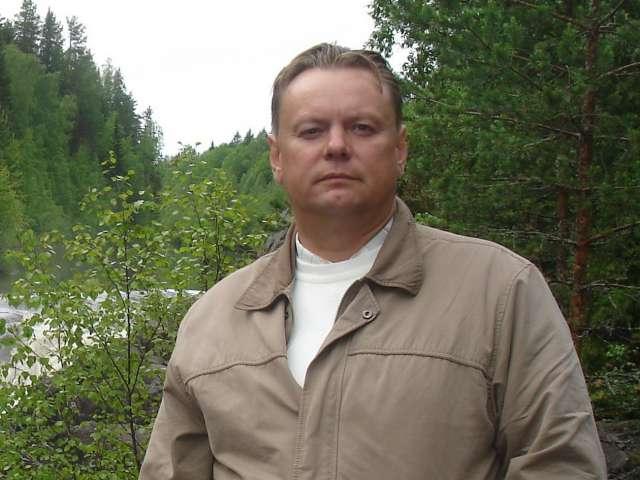 Заниматься краеведением Юрий Николаев стал 10 лет назад. За это время выпустил три тома своей книги и три подготовленных им сборника дореволюционных авторов.