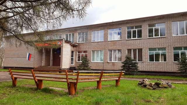 Пока центр допобразования базируется в Перелучской средней школе. В планах — отдельное здание.
