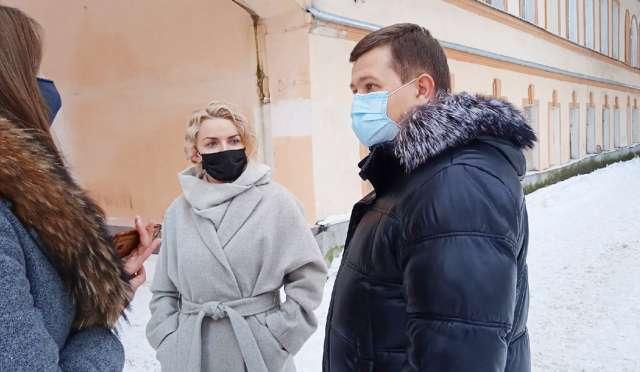 Елена Кирилова и Юрий Боровиков пояснили, что после реконструкции в доме Сметанина будет создан Центр студенческих инициатив.