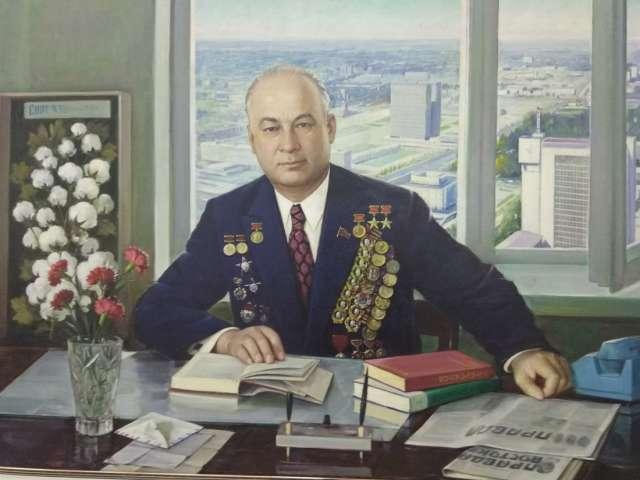 Почти четверть века (1959–1983 гг.) Шараф Рашидов руководил Узбекистаном.