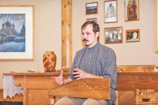 На счету Антона Каменского — не менее четырёх-пяти десятков музыкальных инструментов, изготовленных самостоятельно.