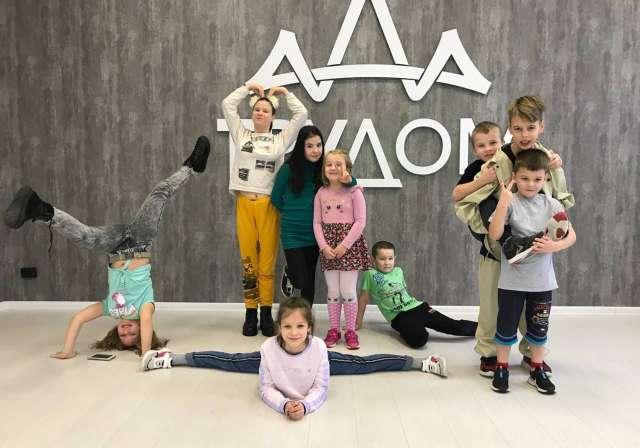 Пока в Великом Новгороде видно традиционное разграничение: «развивашки» в первую очередь посещают дети